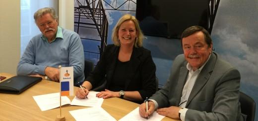 De ondertekening van het sponsorcontract tussen Rabobank Krimpenerwaard en Gemaal De Hooge Boezem achter Haastrecht.
