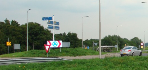 De rotonde bij Ouderkerk.