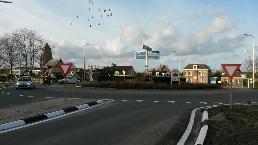 De rotonde N201/Dijklaan. (Foto: Martijn Kuiler)