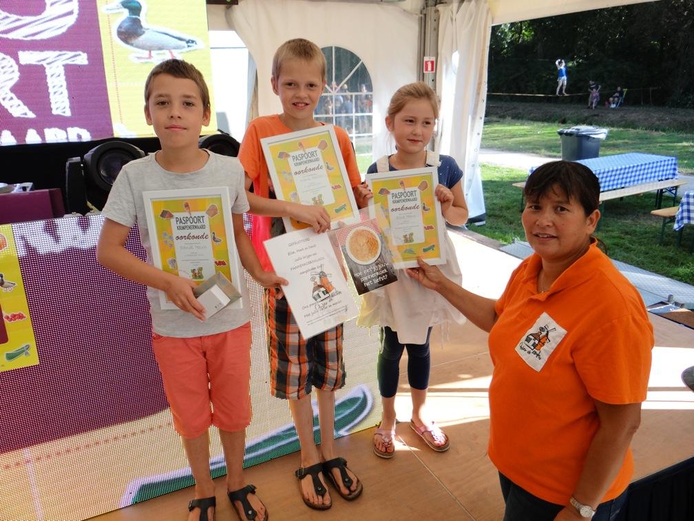 De winnaars krijgen ook een mooie prijs van Jacky Scheer van pannenkoekenrestaurant Onder de Molen.