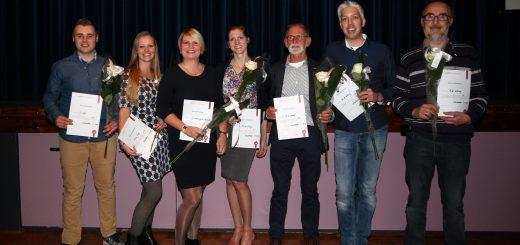 Van links naar rechts : Jasper Loef en Annika de Jong (beiden 12,5 jaar lid), Anita van Engelen, Maaike de Graaf , Joop de Graaf, Wouter Verheij en Adri Verheij (allen 25 jaar lid).