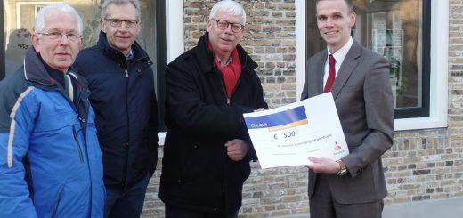 Vlnr: Piet Looren (ledenraad Rabobank Krimpenerwaard), Dirk van der Wouden (secretaris/penningmeester), Booij ter Haar (voorzitter) en Jan Smits (Rabobank Krimpenerwaard).