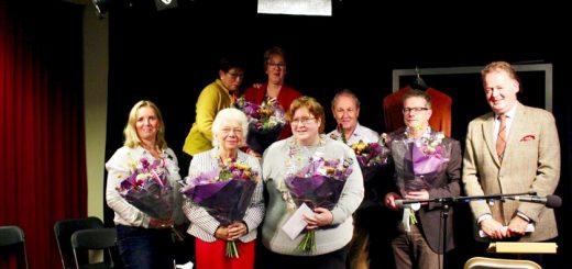 De deelnemers en jury, met in het midden winnares Julia van Ipenburg. (Foto: Alma Filmproducties)