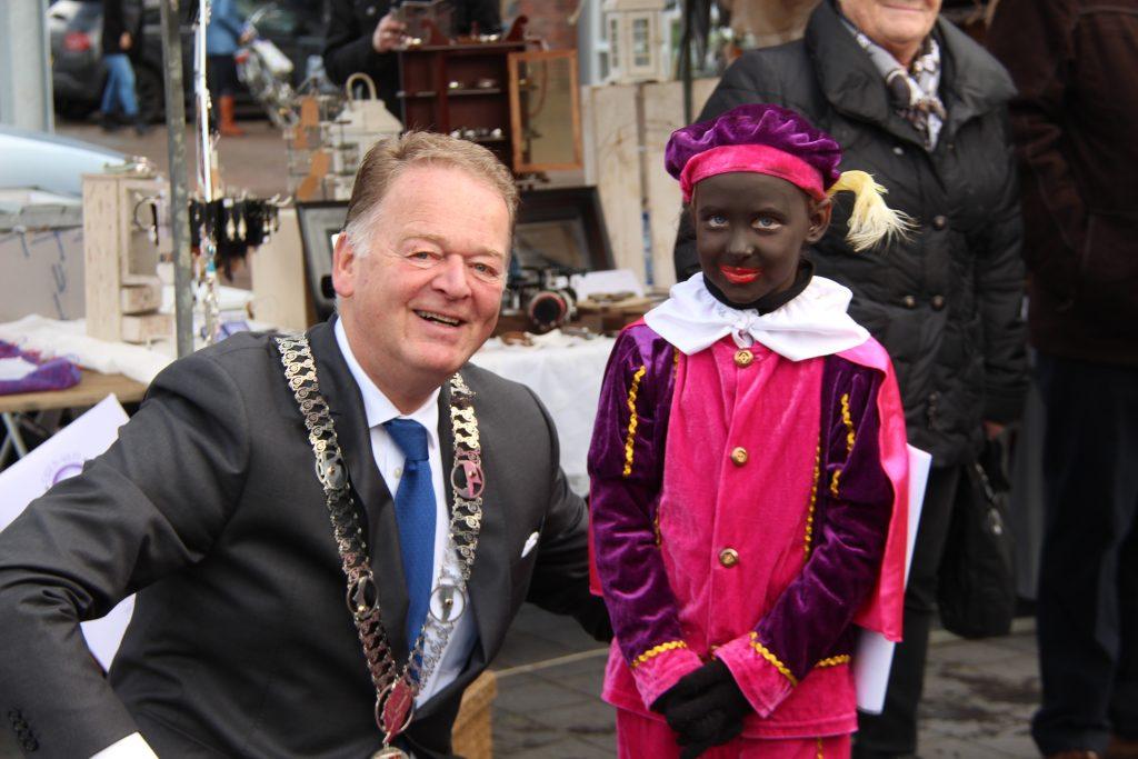 Sinterklaasmarkt 25-11-2017 041