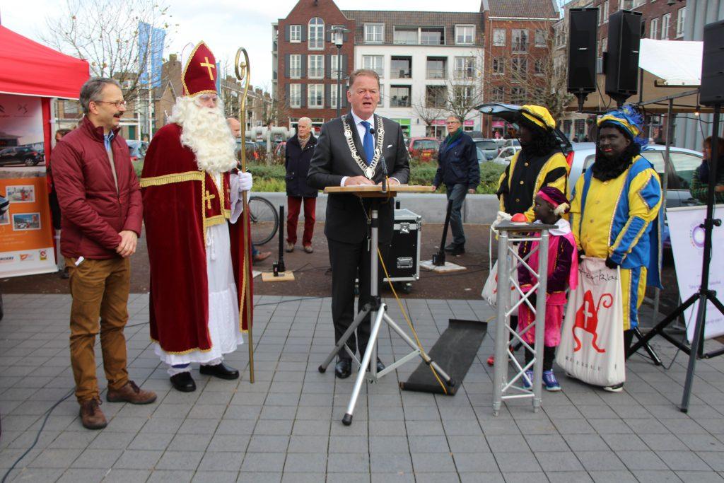 Sinterklaasmarkt 25-11-2017 066