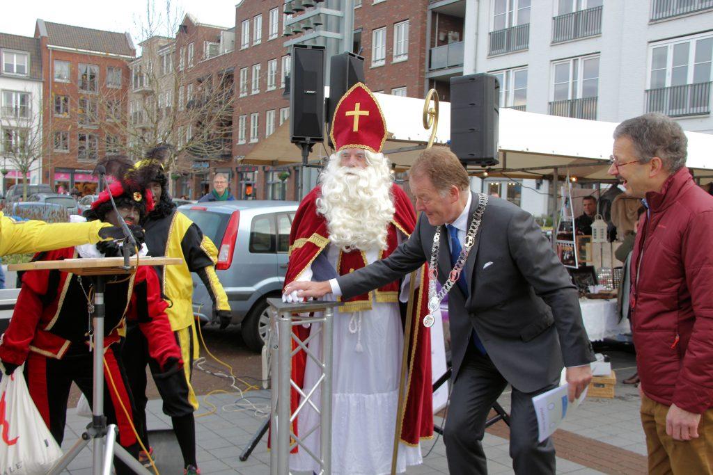 Sinterklaasmarkt 25-11-2017 090