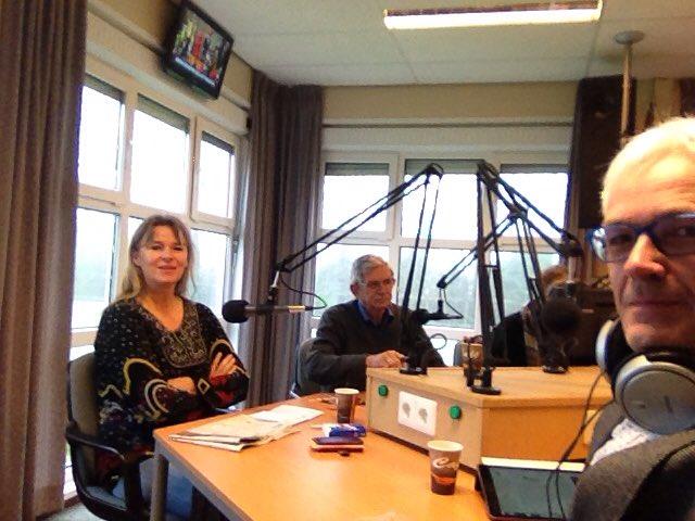 (Gerjo Goudriaan (links) en Ton van Dorp (rechts) bij het politiek debat in de studio van RTV Krimpenerwaard.
