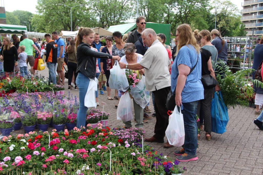 Bloemetjesmarkt Krimpen 21-05-2018 336