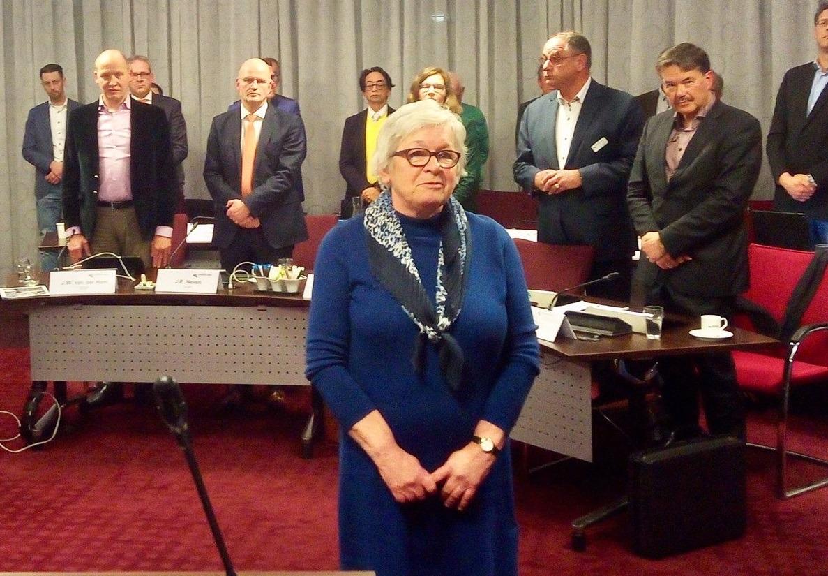 Janette Hofman (Lokaal op 1) wordt geïnstalleerd als wethouder.