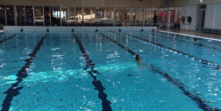 Zwembad De Lansingh.Zorgen Over Inperking Openingstijden De Lansingh Rtv
