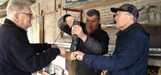 PVdA Krimpenerwaard:  een werkbank maken voor de vrijwiligers die het molentje van Lekkerkerk gaan restaureren.