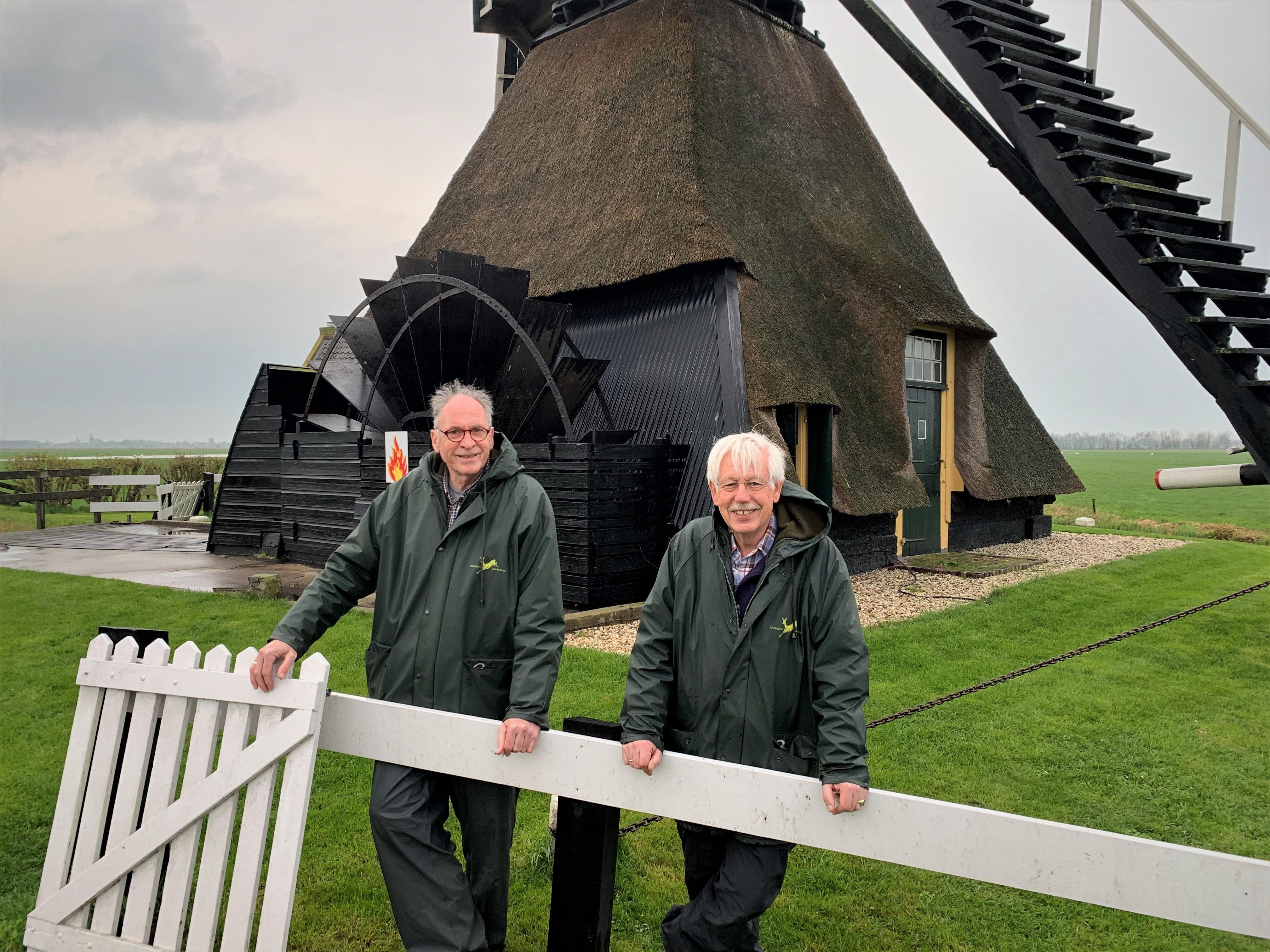 De molenaar Frans Bode (l) en Erik Stoop