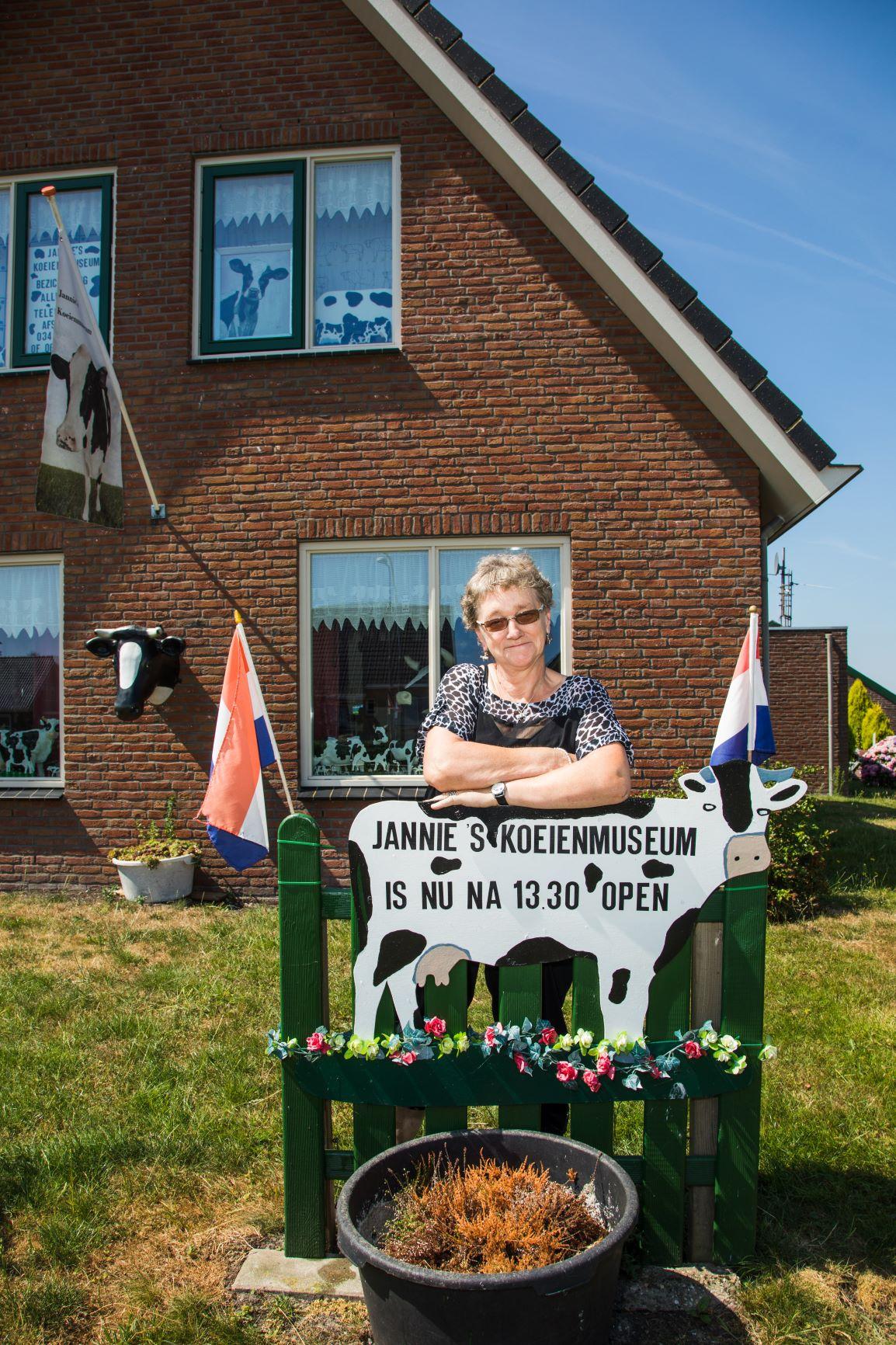 Jannie Verwoerd van het Koeienmuseum in Papekop