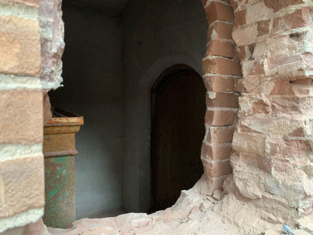 De lang verborgen kluis en de verborgen deur naar de pastorie